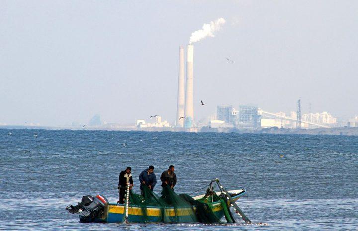 الاحتلال يصيب صيادا بالرصاص ويعتقل 2 ببحر شمال غزة