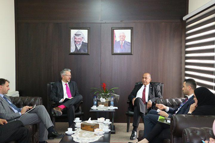 وزير العدل يبحث مع رئيس بعثة الشرطة الأوروبية تعزيز التعاون