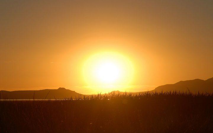 الطقس: أجواء شديدة الحرارة والتحذير من التعرض لأشعة الشمس