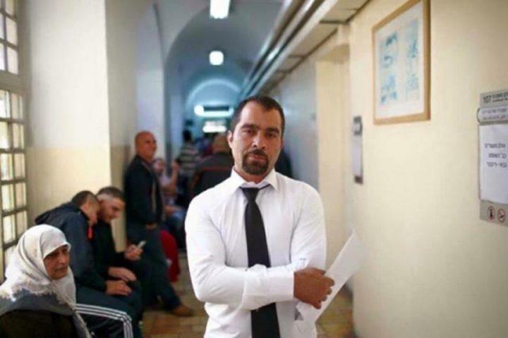 """الاحتلال يمدد اعتقال المحامي """"البرغوثي"""""""