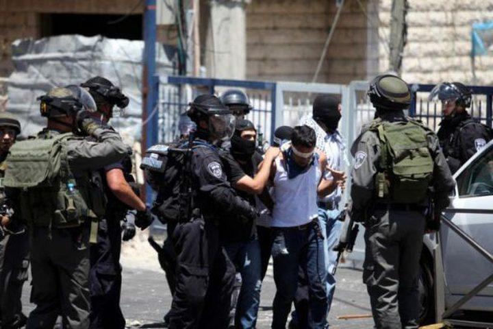 قوات الاحتلال تعتقل 5 فلسطينيين من الضفة