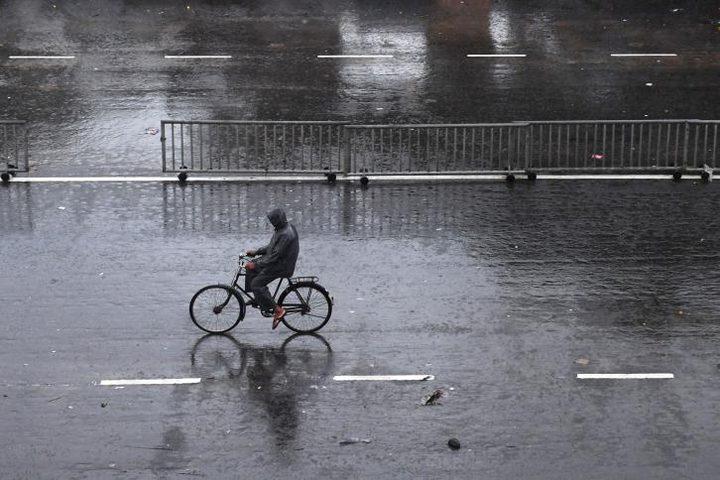 """إجلاء أكثر من مليون شخص شرقي الهند بسبب الإعصار """"فاني"""""""