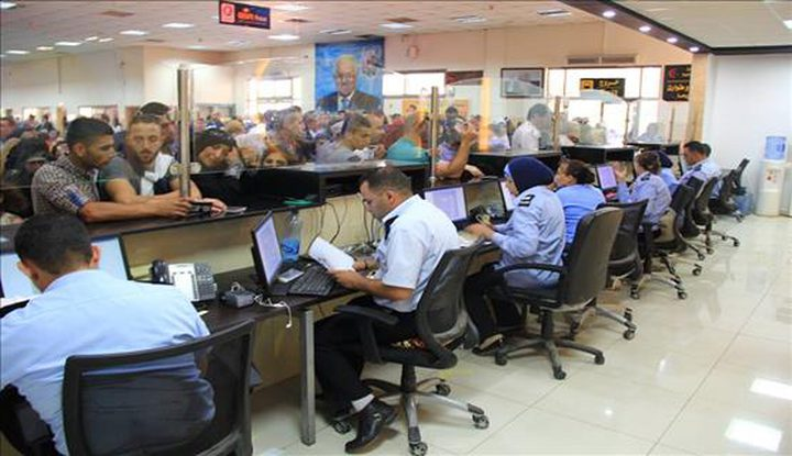 الشرطة:180 ألف مسافر تنقلوا عبر معبر الكرامة وتوقيف 827 مطلوباً