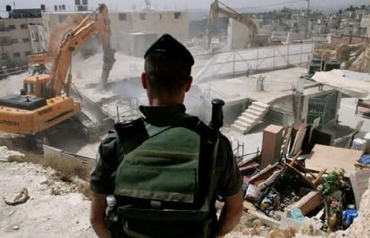 الاحتلال يفرض الحبس المنزلي والابعاد على مقدسي بعد أن هدم منزله