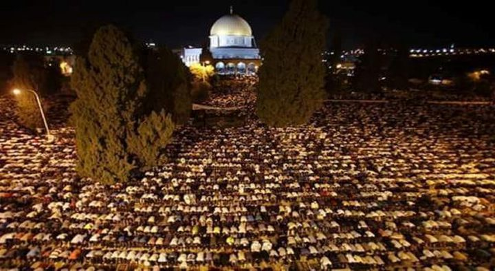 """المبعدون عن """"الأقصى"""" يؤكدون حقهم بالصلاة في المسجد"""