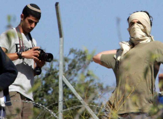 مستوطنون يهاجمون مدرسة جنوب نابلس