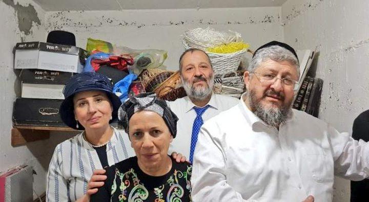 وزير داخلية الاحتلال يختبئ بملجأ