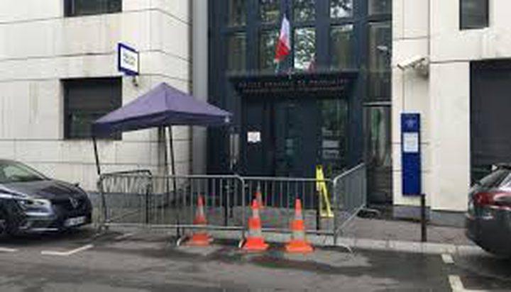 براغيث تغزو مركز شرطة في باريس.. ووزير الداخلية يتدخل !