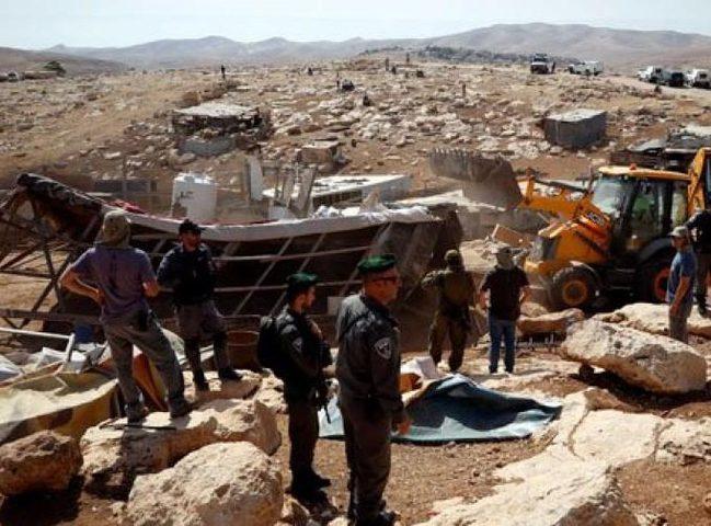 الاحتلال يخطر بطرد 15 عائلة من الأغوار الشمالية