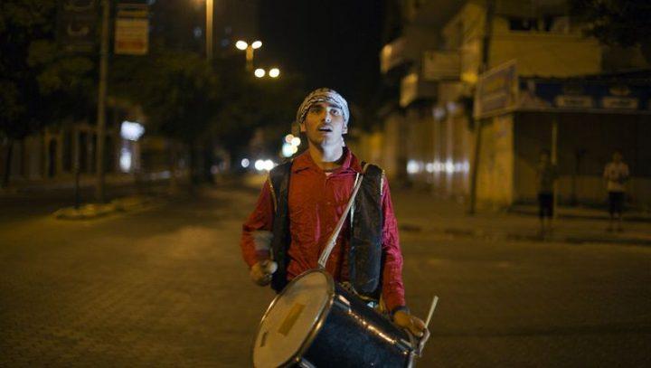 """المسحراتي .. """"رجل رمضان"""" وصوت غزة الذي لا ينام"""