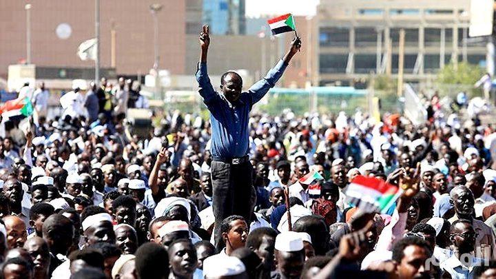 """السودان.. الحرية والتغيير تتهم """"العسكري"""" بإطالة التفاوض"""