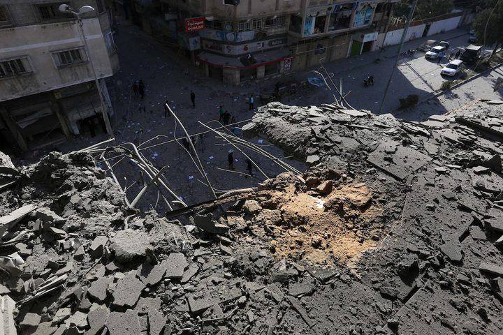 أصحاب المنازل المدمرة بغزة يواصلون اعتصامهم أمام مقر الأونروا