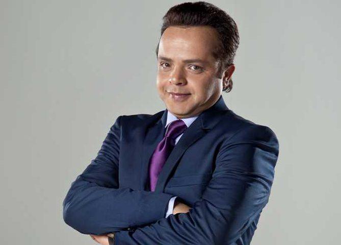 صورة لمحمد هنيدي تثير ضجة في مواقع التواصل.. ما علاقة عمرو دياب؟