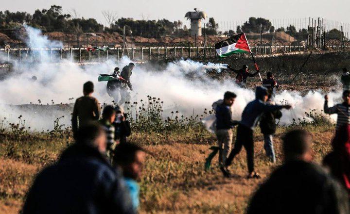 إصابات بالاختناق جراء قمع الاحتلال لمسيرة سلمية شرق البريج