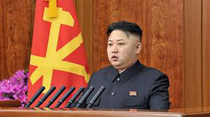 """كيم يأمر بتنفيذ مناورة على شنّ """"ضربة بعيدة المدى"""""""
