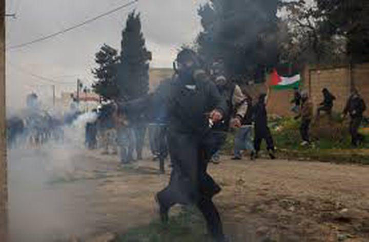 """اصابة طفل بعيار """"مطاطي"""" والعشرات بالاختناق في مسيرة كفر قدوم"""
