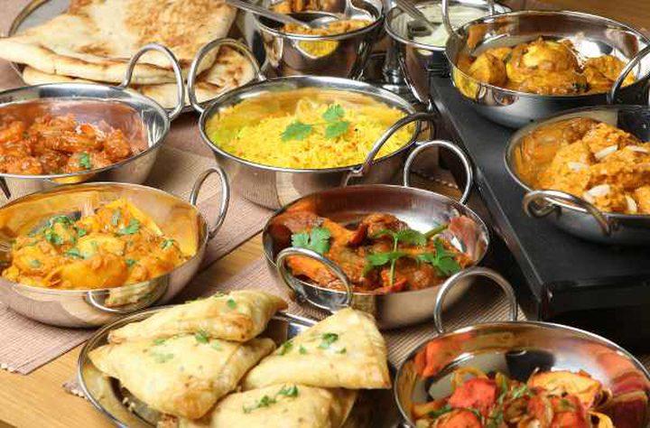 تقسيم وجبات الطعام المثالي في رمضان