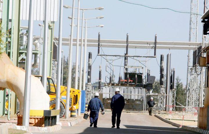 كهرباء غزة:تشغيل المولد الثالث وتحسن على جدول (الكهرباء)