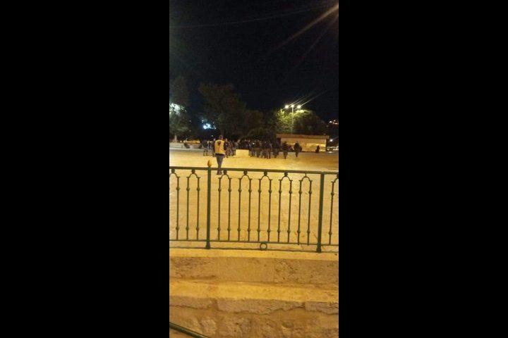 الخارجية تُدين إخراج قوات الاحتلال للمصلين بالقوة من الاقصى