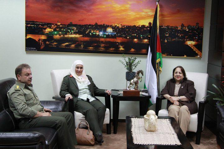 وزيرة الصحة تبحث تعزيز التعاون مع مدير الخدمات الطبية العسكرية