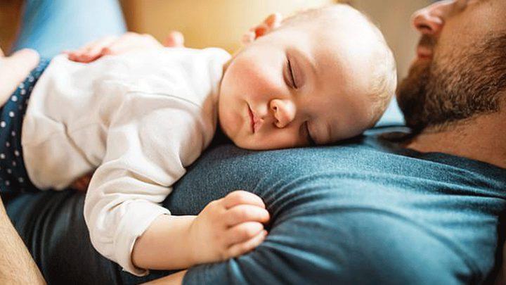 دراسة: عمر الأب الزمني يؤثر على حياة زوجته وطفله