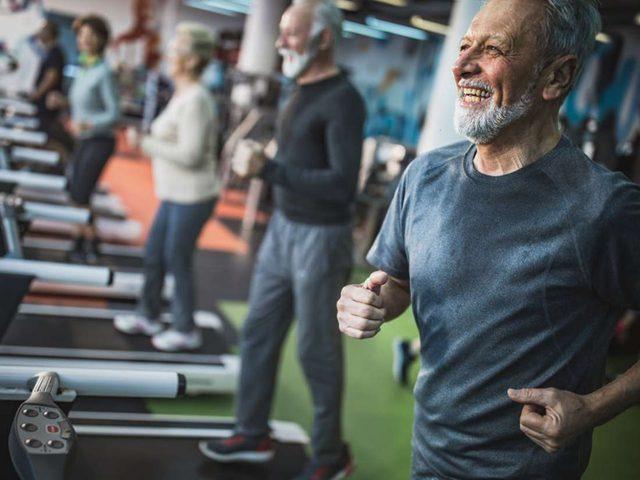 دراسة: اللياقة البدنية تقلل من خطر الإصابة بسرطان الرئة والأمعاء
