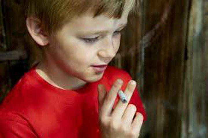 انخفاض التدخين بين الأطفال بنسبة 35٪ منذ حظر السجائر في بريطانيا