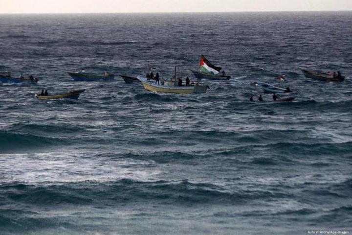 الاحتلال يصيب صيادًا قبالة سواحل غزة