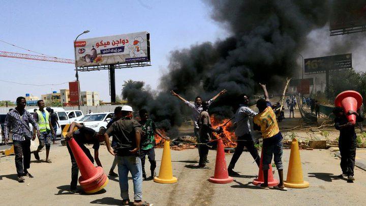جرحى بإطلاق نار في محيط ساحة الاعتصام بالسودان
