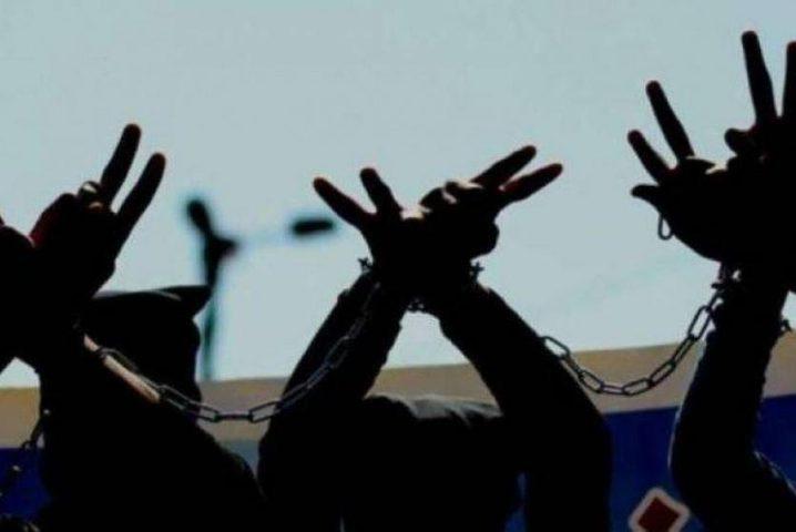 ثلاثة أسرى من الخليل يواصلون الإضراب المفتوح عن الطعام