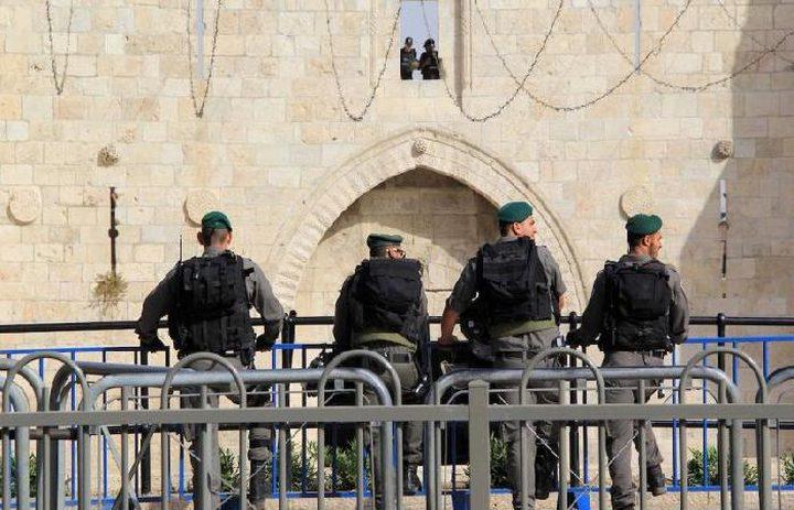 """القدس: الاحتلال يسلم """"الهلال الاحمر"""" شابين تم الاعتداء عليهما"""