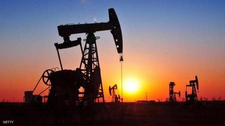 النفط يرتفع لرابع جلسة على التوالي