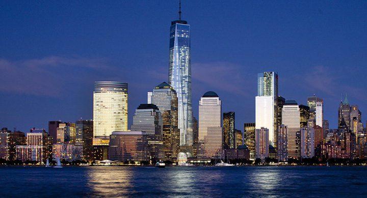 ناطحات سحاب نيويورك لحظات تحبس الأنفاس... حادث مفزع في أمريكا