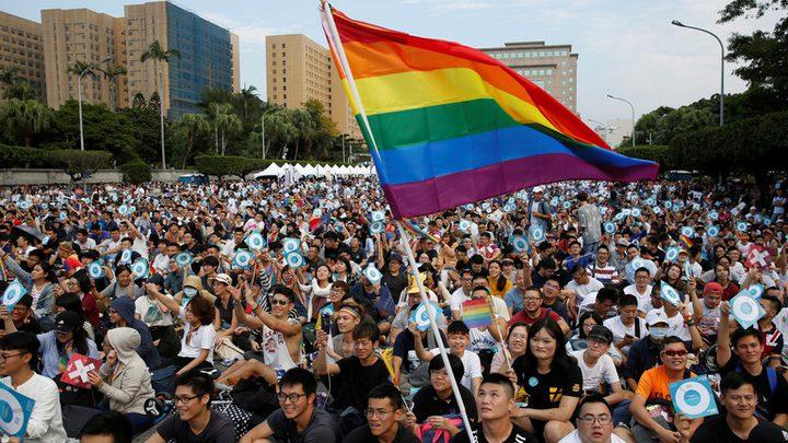 برلمان تايوان يشرع زواج المثليين