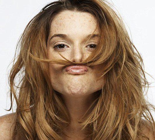 تعرف على أسباب زيادة شعر الجسم والوجه عند السيدات..؟!