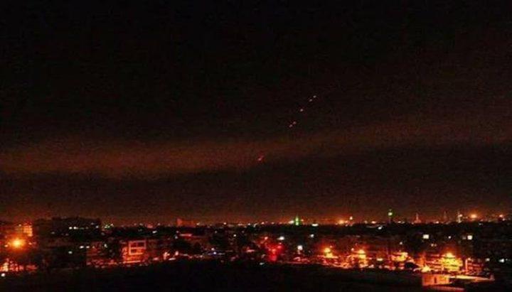 """الدفاعات الجوية السورية تتصدى لـ""""أجسام معادية"""""""