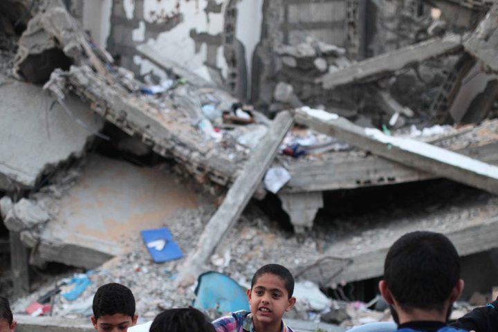 أسر فلسطينية تفطر بجوار منازلهم المدمرة نتيجة التصعيد الاخير على غزة خلال شهر رمضان المبارك ،في 18 مايو 2019.
