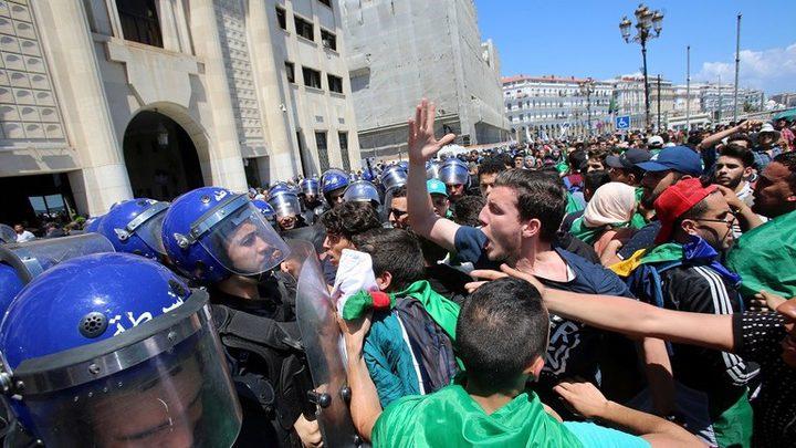 مسيرات طلابية في الجزائر وسط إجراءات أمنية مشددة