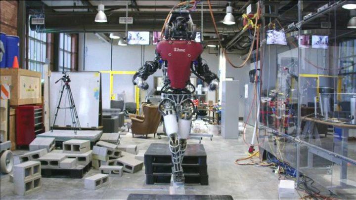 """روبوت """"يمشي على الحبل"""""""