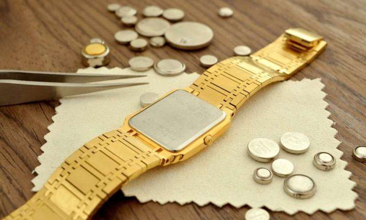 دراسة: بطاريات ساعة اليد يمكن أن تدمر بطانة المعدة