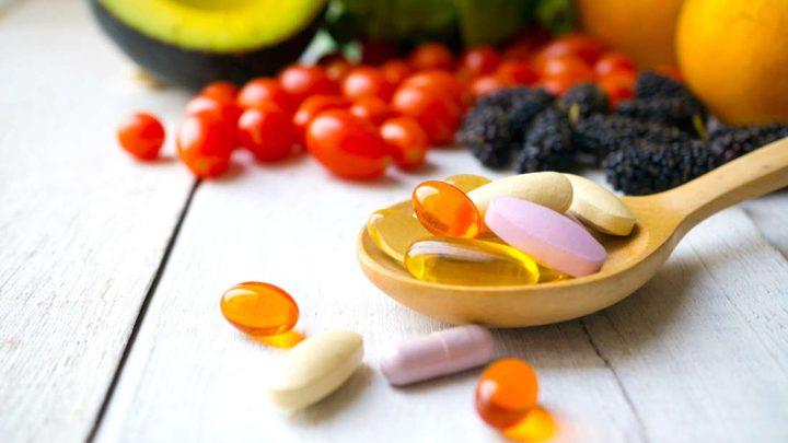 هل يساعد تناول المكملات الغذائية على محاربة الاكتئاب