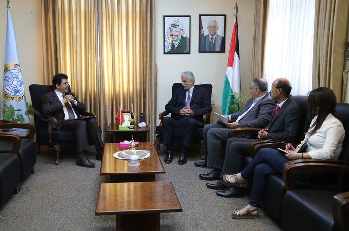 وزير التربية يتسلم رسالة من نظيره التونسي تؤكد على أصالة التعاون