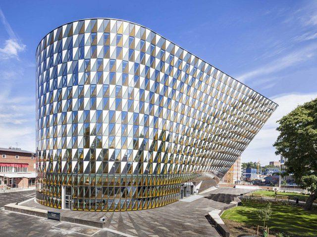 مهندس فلسطيني يفوز بالجائزة الذهبية لأفضل تصميم معماري