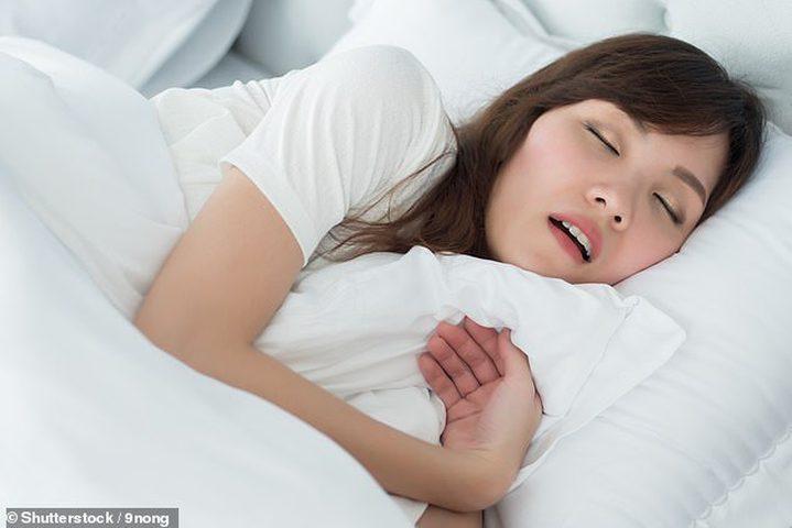 دراسة: توقف التنفس اثناء النوم يؤدي للاصابة بالسرطان لدى النساء