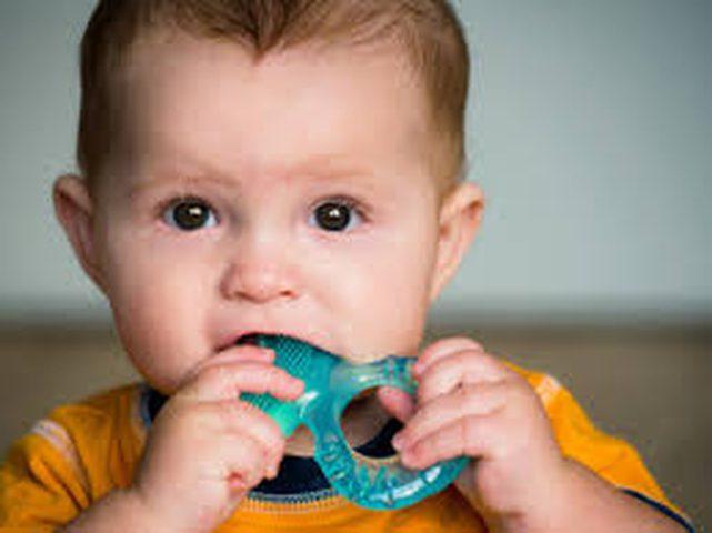مواد كيميائية في الشامبو وألعاب الأطفال بمخاطر مرضية مختلفة