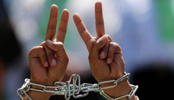 """""""هيئة الأسرى"""":الأسير الحروب يعلق إضرابه عن الطعام بعد تحقيق مطلبه"""