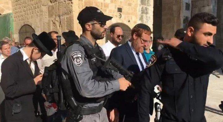 مستوطنون يقتحمون الاقصى بقيادة المتطرف يهودا غليك