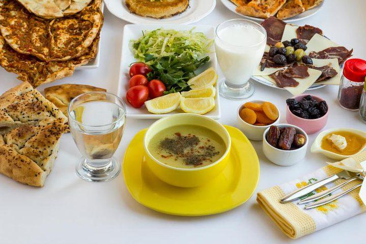 4 أغذية لا تتخلي عنها أبدًا في رمضان
