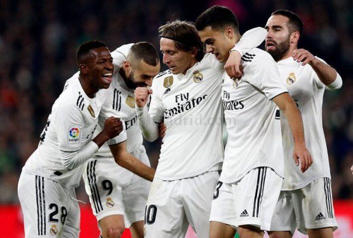 لاعبو ريال مدريد يرددون جملة واحدة في غرف الملابس