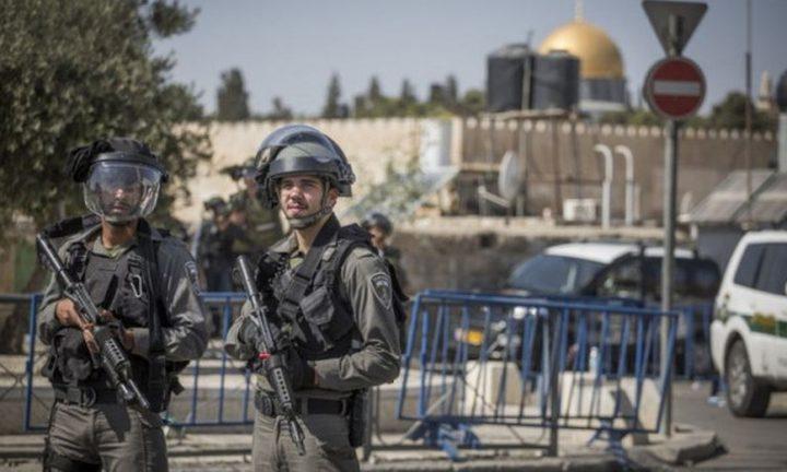 الاحتلال يعتقل شبانا لدى محاولتهم الوصول إلى المسجد الأقصى